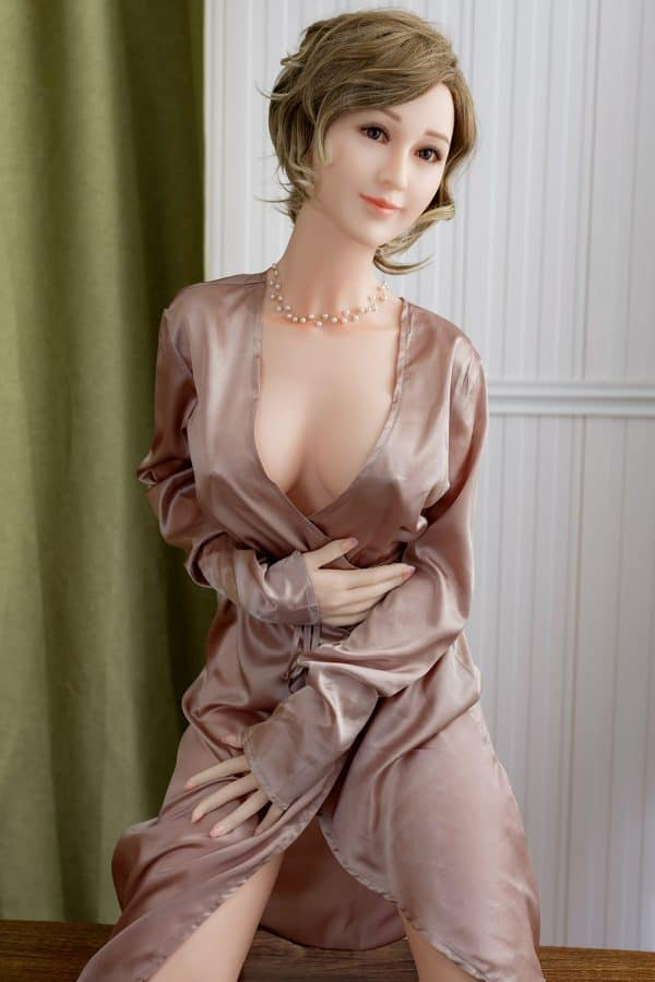 Realistic Life-size Mature MILF Silicone Sex Doll Mckenna 165cm